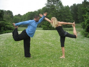 Yoga 9 Jericho Beach www.dianawalker.com Vancouver Nick and Christine and photo by Diana Walker