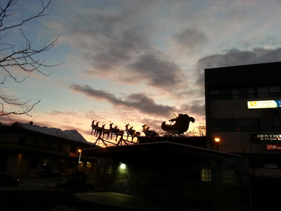 Santa Salmon Arm and Reindeer Diana Walker Photo 20151121_162000 (1)